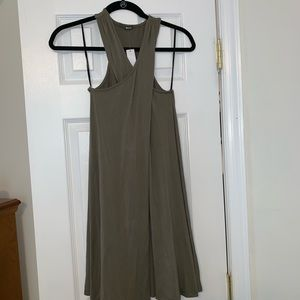 1 small above the knee green dress